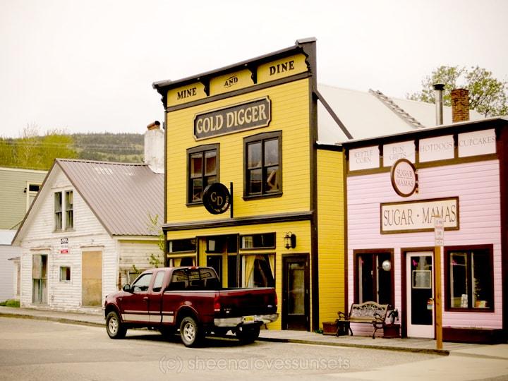 Alaska 5-min SheenaLovesSunsets.com
