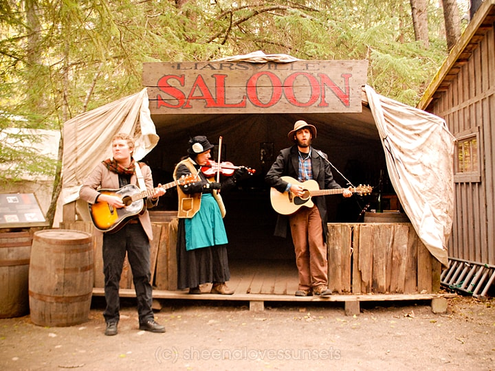 Alaska 7-min SheenaLovesSunsets.com