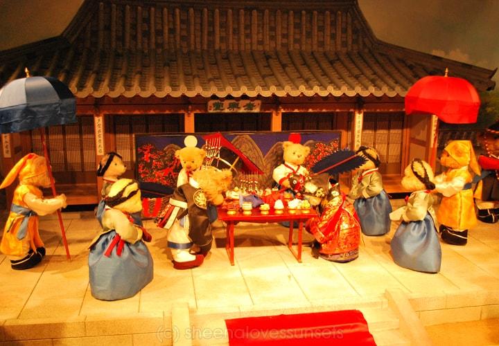 Bear Museum 4 SheenaLovesSunsets.com-min