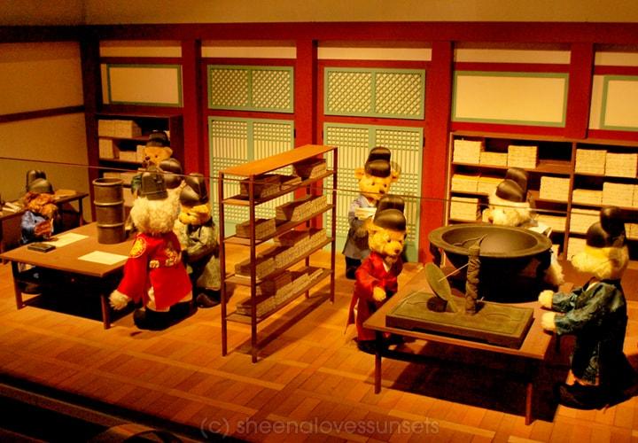 Bear Museum 5 SheenaLovesSunsets.com-min